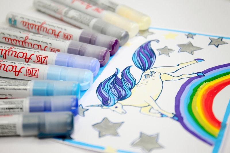 Unicorn Drawing with Kuretake's Acrylista Markers