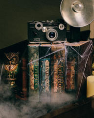 DIY Harry Potter Potions for Halloween: Book Shelf