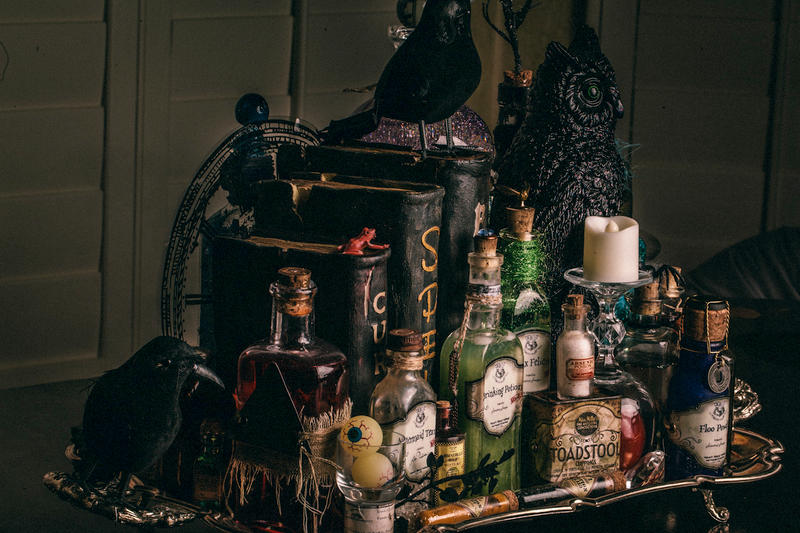 DIY Harry Potter Potion Display for Halloween -Tray Contents