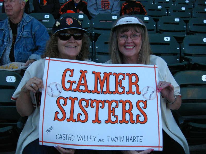 Gamer sisters