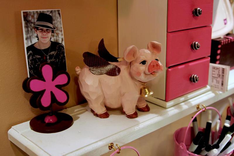 I <3 flying piggys!