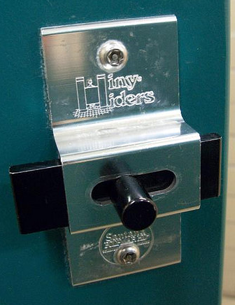 Hiny Hider logo