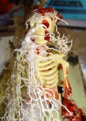 Altered skeleton for the Halloween - Creepy and Gory swap