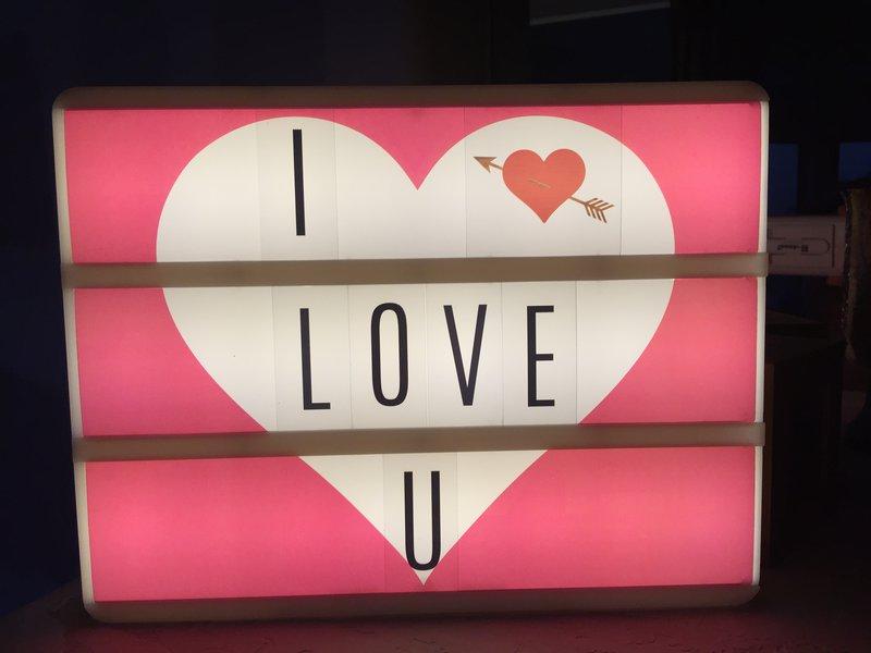 *Heidi Swapp* Lightbox , I Love U