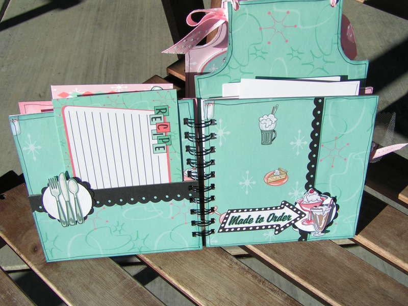 Mom's Diner Recipe Book   *COOKBOOKIN* CHA Winter 2009