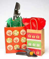 Fiskars Glam-up-those-Giftbags by Katerina Simeck