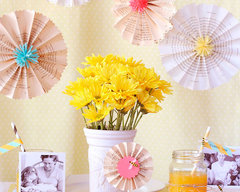 Queen Bee Mother's Day Decorations by Lisa Storms