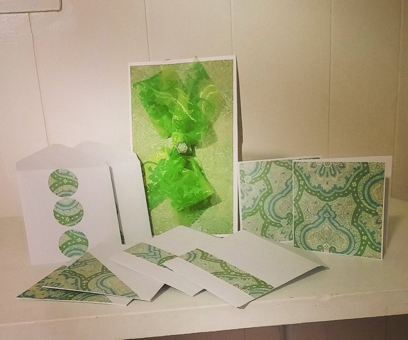 3x3 Note cards with matching envelopes and gift box...
