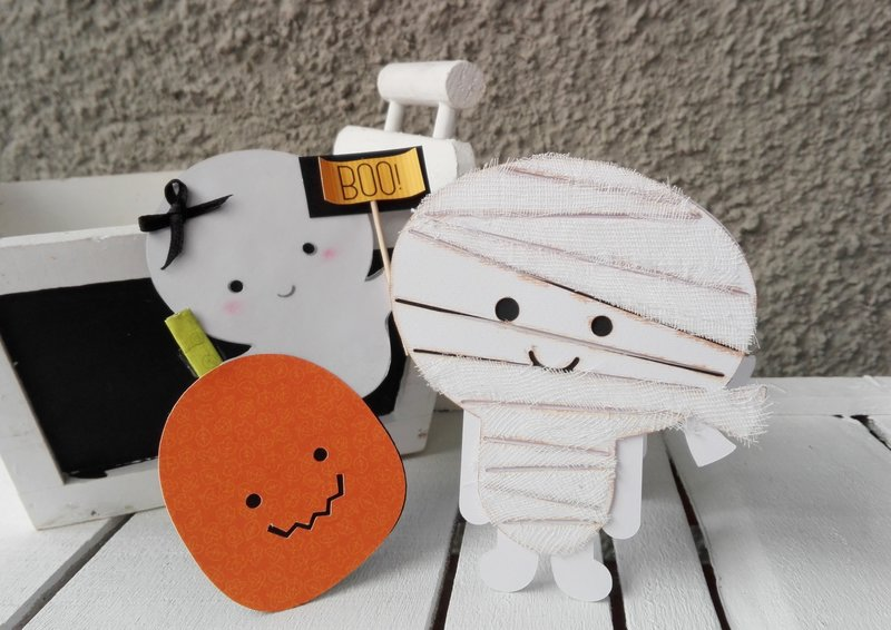 HALLOWEEEN SHAPED CARD DUO
