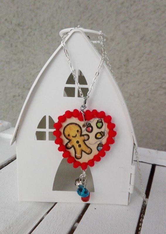 CHRISTMAS WOOD HEART NECKLACE