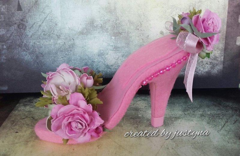 A littel rose high heels shoe