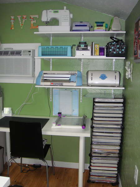 SCRAPBOOK ROOM-CUTTING STATION- RIGHT SIDE FRONT WALL