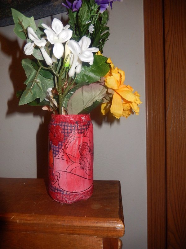 Soda can turned wizard of oz vase