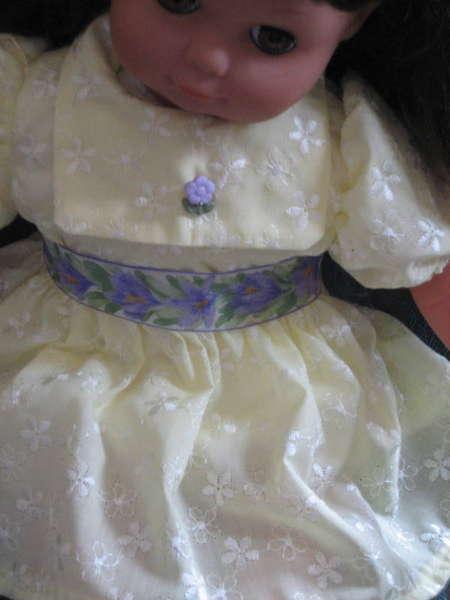 Hannah's Dress--details