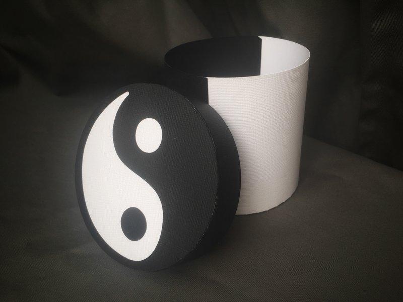 Yin and Yang box