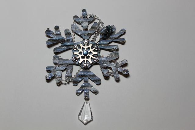 **Swirlydoos Ultimate Designer Challenge Week 1** Snowflake Embellishment