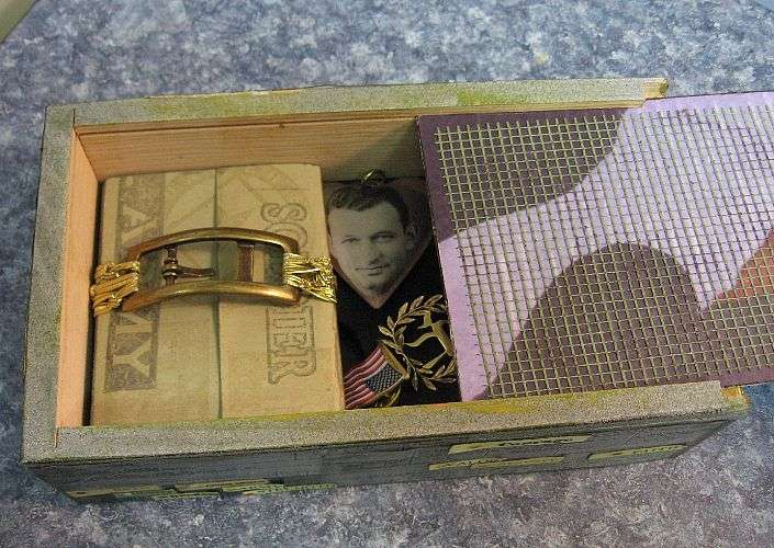 MIU Treasure Box (top view - slid open)