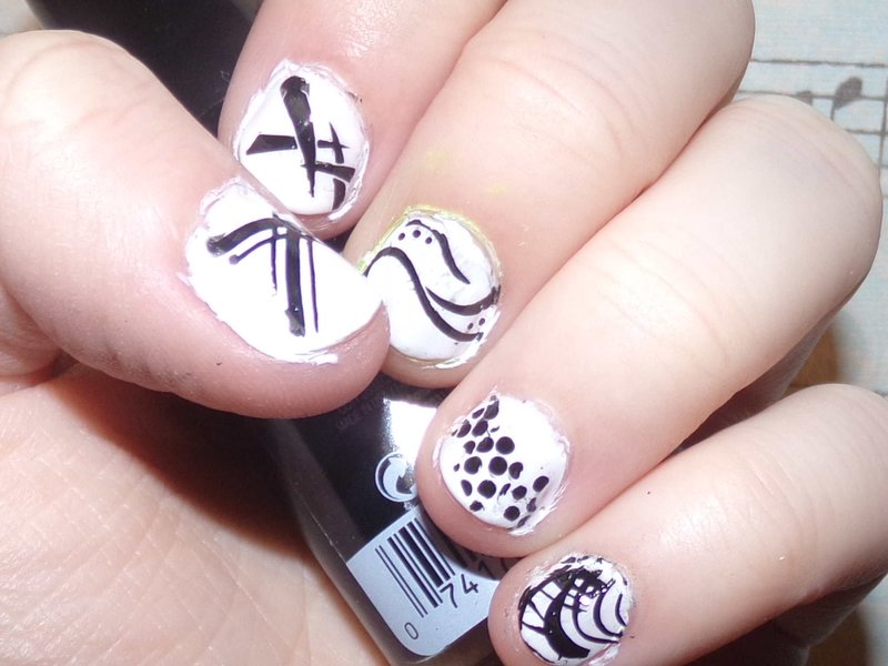 Detailed Nails