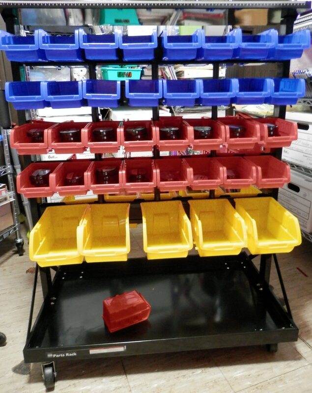 Rolling rack for inks