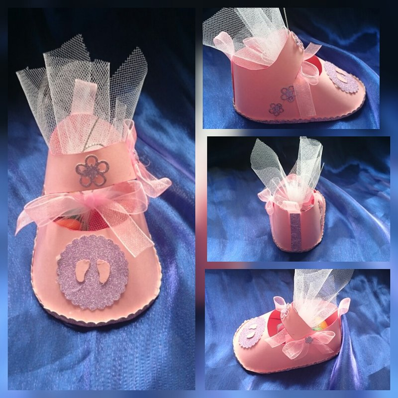 Baby shoe gift box