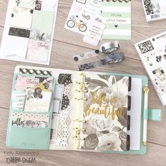 Setup of the mint floral personal carpe diem planner