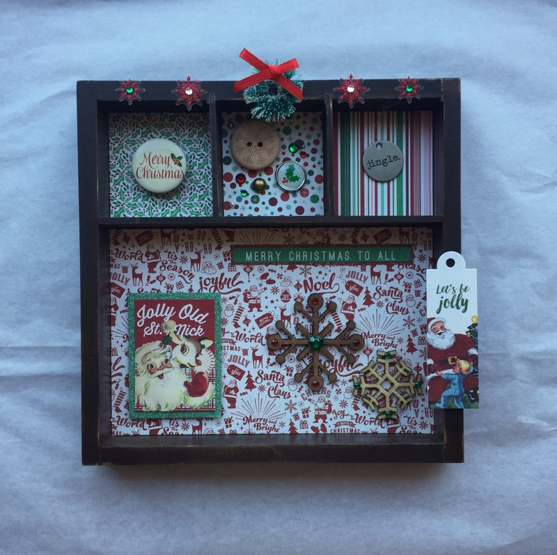Retro Christmas-themed Decor Piece