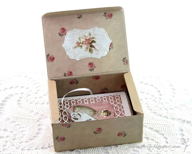 Notecards in a box
