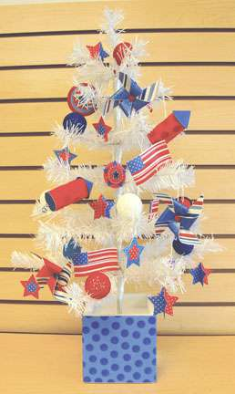 Doodlebug Plain & Simple Tree Decorated in Americana