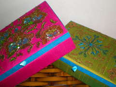 {Bling Boxes}