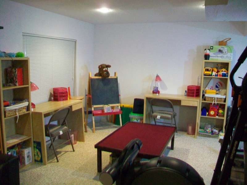 The girls crafty/play area
