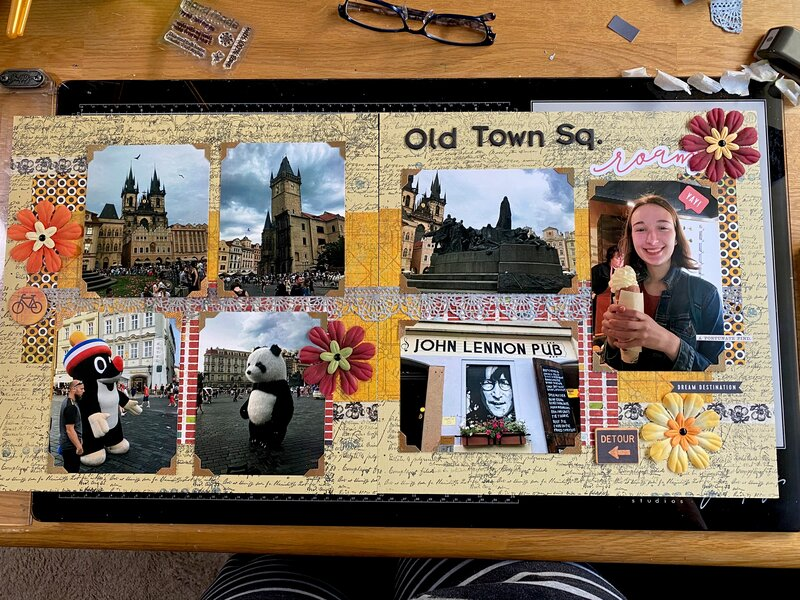 2 page layout-Prague Old town Sq
