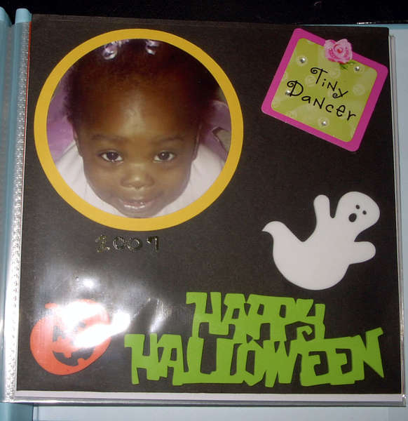 Naomi Seasons Book 1 - Halloween
