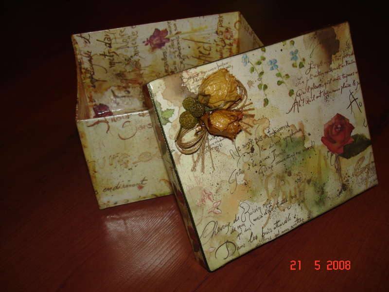 Una pequeña caja (a little box)