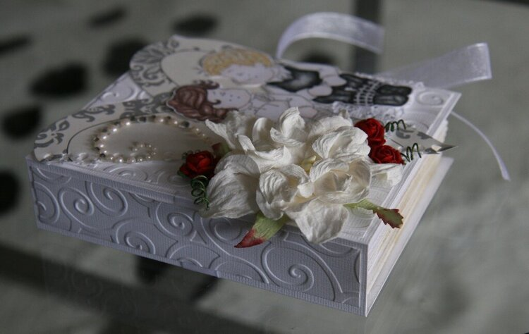 Wedding book - card side view