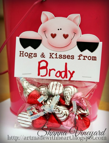 Hogs and Kisses Valentine's Topper and printable