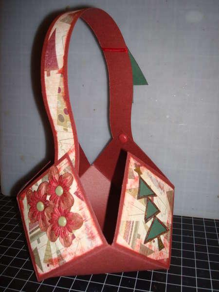 Christmas Tree Basket 2