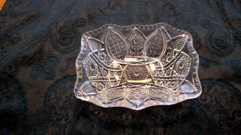 small glass serving dish