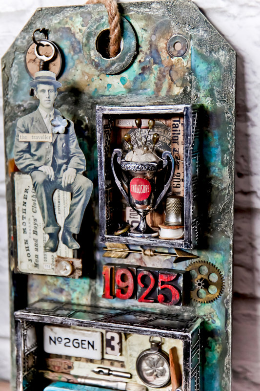 Featured in the Upcoming FREE Scrapbook.com Class: Expand Your Creativity with Tim Holtz | Distress Collage