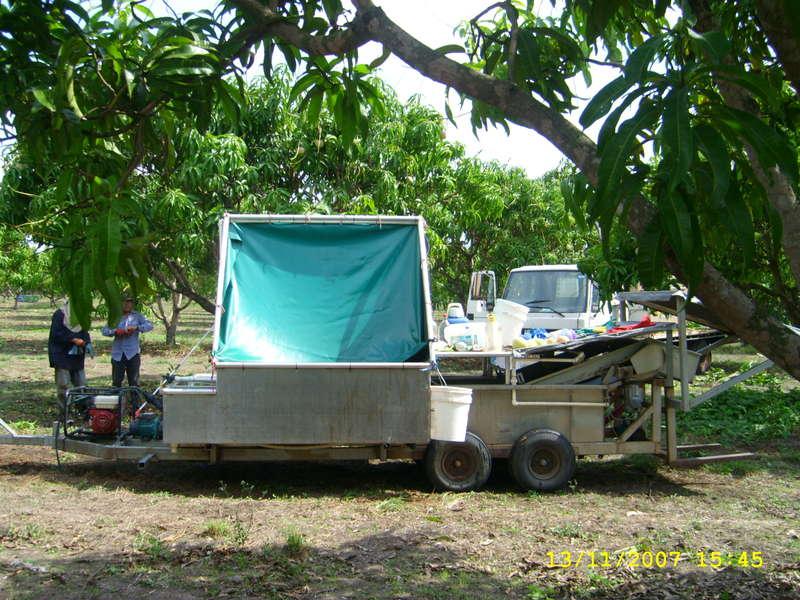 mango washing trailer