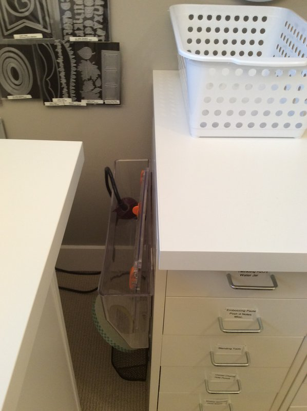 Spot for heat tool and small paper cutter...