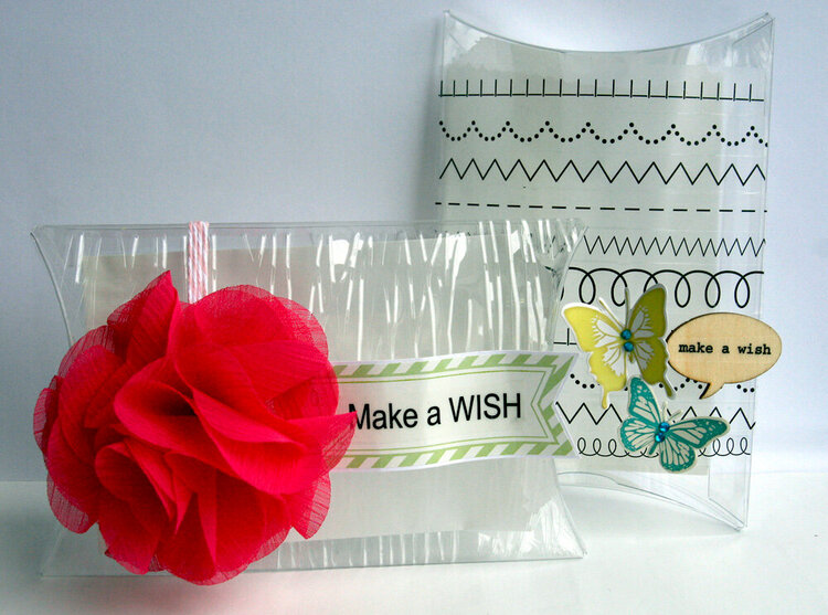 Pillow box gift card holders