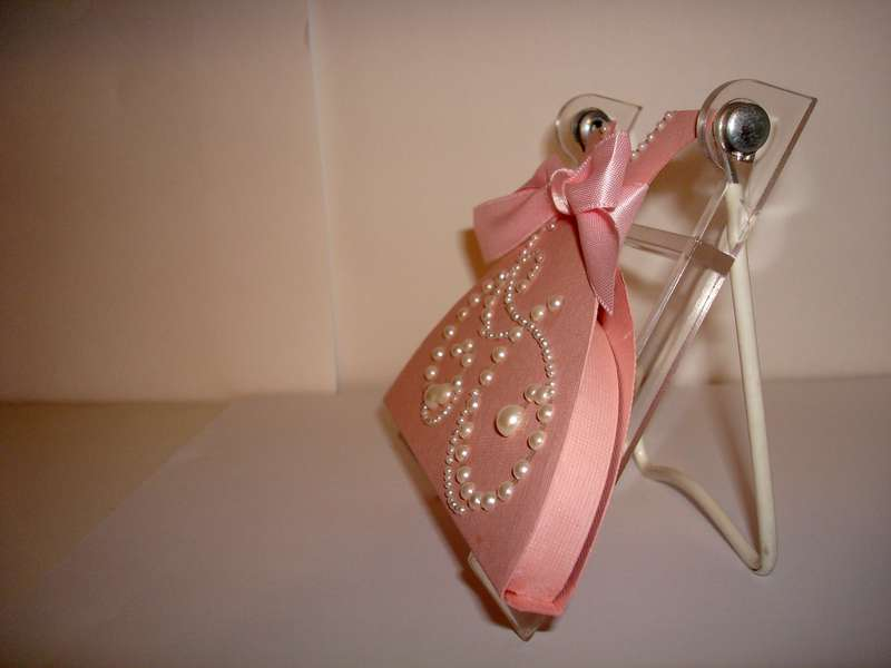 side view of gift card holder
