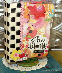 She Blooms Prayer Journal