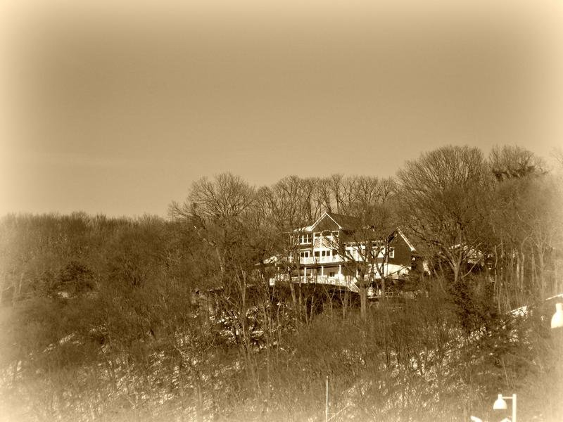 pod 8 ~ house on the hill