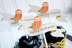 *We R* Halloween Cupcake Toppers & Wrappers