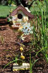Sun Kiss Birdhouse Scraps of Darkness