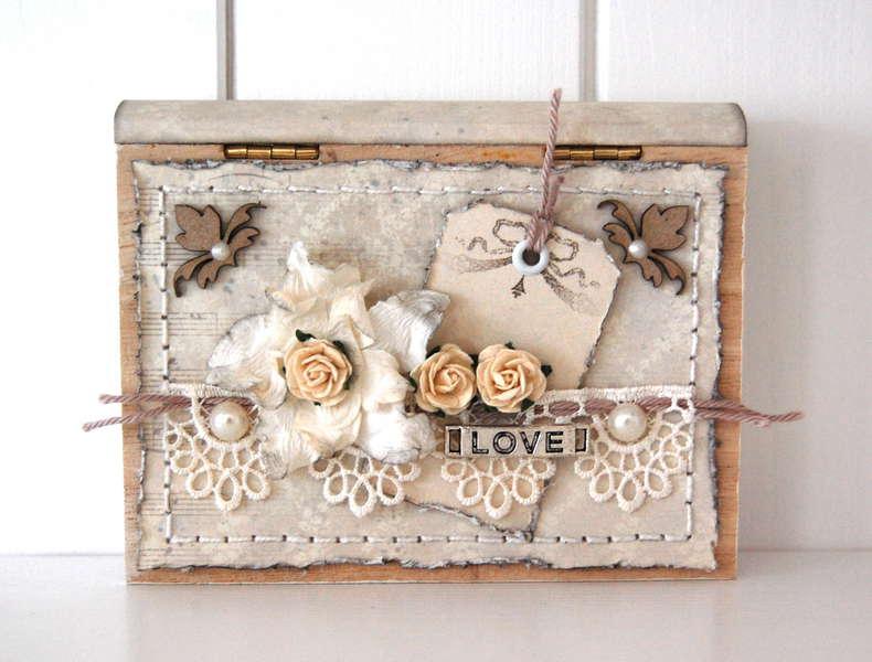 little wooden gift box *Dusty Attic*