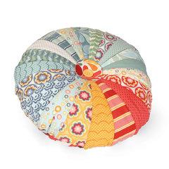 Dresden Plate Pillow by Linda Nitzen