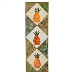 Welcome Pineapple Table Runner