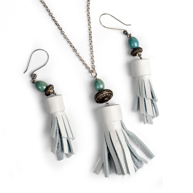 Make a Tassel Necklace and Earrings with Sizzix Jewelry Studio